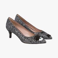I LOVE GLITTER!! So stylish! <3 Escarpins pailletés - Chiara Ferragni - Find this product on Bon Marché website - Le Bon Marché Rive Gauche