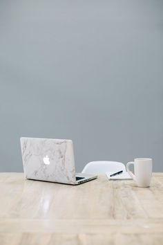 13 Amazing - Exquisite Home Interior And Decor Ideas : Ambrosial MacBook on table near mug Office Images, Office Pictures, Work Pictures, Work Images, Marketing Digital, Online Marketing, Pinterest Problems, Moving Across Country, Career Education