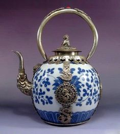 Ancient Chinese dragon teapot