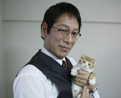 Middle age man with cute kitty・・・