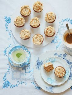 These sticky and sweet toffee cupcakes from Mary Berry& cookbook, Mary Berry Everyday, are perfect for afternoon tea and elevenses. Plus they can be made in advance. Mary Berry Everyday, Toffee Cupcakes, Dog Cupcakes, Cupcake Cakes, Hazelnut Meringue, Meringue Cake, Custard Cake, Strawberry Pavlova, Toffee Pudding