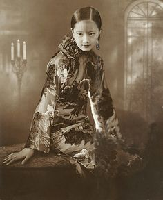 17岁的周璇。 17- летняя Чжоу Сюань