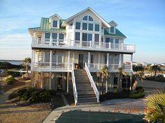 Clay & Quinn's beach house (One Tree Hill)