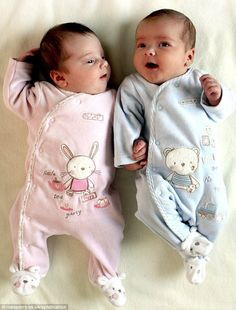 New Ideas Baby Boy Newborn Korean Cute Baby Twins, Twin Baby Boys, Boy Girl Twins, Cute Little Baby, Baby Kind, Twin Babies, Reborn Babies, Baby Girl Newborn, Baby Girls