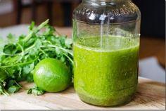 Sufres de Gastritis o Ardor Estomacal? Mejora tu Digestion con Este Aderezo de Piña, Lima y Cilantro