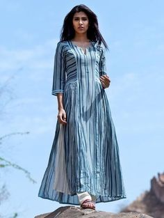 Best 12 Love For Stripes Printed Teal Kurta – Swati Vijaivargie Simple Kurti Designs, Kurta Designs Women, Cotton Kurtis Designs, Long Kurta Designs, Printed Kurti Designs, Modest Dresses, Casual Dresses, Fashion Dresses, Dress Neck Designs