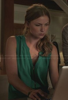 Emily Thorne / Amanda Clarke Fashion on Revenge Emily Revenge, Revenge Series, Revenge Tv, Amanda Clarke, Revenge Fashion, Emily Thorne, Sharon Carter, Emily Vancamp, Floral Sundress