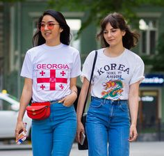 Why Fashion Girls Are Going Crazy for Tourist T-Shirts