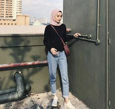 Hijab style Modern Hijab Fashion, Street Hijab Fashion, Hijab Fashion Inspiration, Fashion Outfits, Muslim Fashion, Stylish Hijab, Casual Hijab Outfit, Hijab Jeans, Ootd Hijab