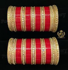 Pinterest: @pawank90 Big Fat Indian Wedding, Indian Wedding Jewelry, Indian Weddings, Indian Jewelry, Wedding Chura, Sikh Wedding, Wedding Wear, Bridal Bangles, Bridal Jewelry Sets