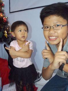 Waktu tahun baruan (Dec 31) di Gereja. Angelica is a cute girl !
