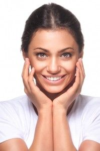 Greenbelt Dentist on Porcelain Veneers vs. Dental Bonding