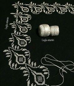 Seccade etamin Ribbon Embroidery, Cross Stitch Embroidery, Cross Stitch Patterns, Prayer Rug, Bargello, Crochet Motif, Cross Stitching, Blackwork, Needlepoint