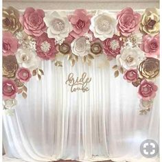 """Blush gold paper flower backdrop for engagement, bridal shower """"bride to be"""" sign paper flower backdrops, paper flowers, pink and gold, baby shower flowers beautiful look real 🌸🌺🌸🌺🌹 Pink Und Gold, Rose Gold, Blush And Gold, Blush Pink, Bridal Shower Decorations, Wedding Decorations, Bridal Shower Backdrop, Decor Wedding, Bridal Shower Sign In"""
