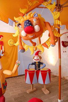 Circus for Czech festival toys / exhibition 2010    http://hrackobrani.cz/