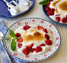 Feathery and light with stiff peaks, this delicious vegan meringue with summer…