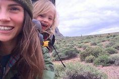 Esta mamá y su hija de tres años exploran juntas las montañas más bellas del continente | Notas | La Bioguía