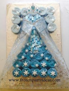 Elsa dress with shimmering bodice cupcak cake - Cake by FrozenPartyIdeas