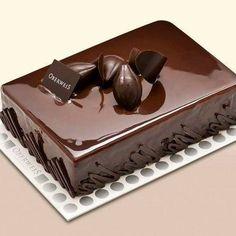 Francois J. Food Cakes, Fancy Desserts, Delicious Desserts, Mini Cakes, Cupcake Cakes, Chocolate Cake Designs, Dark Chocolate Cakes, Patisserie Fine, Cake Recipes