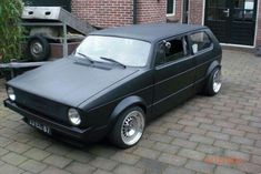 Golf mk1 topchop #CustomVWGolfCabriolet Vw Golf Cabrio, Volkswagen Golf Mk1, Vw Mk1, Old Car Modified, Vw Cabriolet, Golf 2, Custom Harleys, Motor Car, Auto Motor