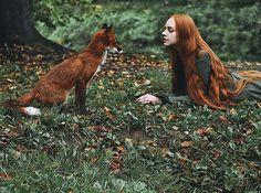 Retratos fantásticos de chicas pelirrojas con un zorro rojo | Bored Panda