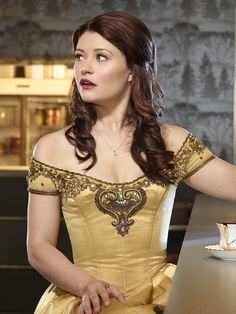 Once Upon a Time (TV show) Emilie de Ravin as Belle (Love the dress)