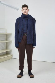 The complete 3.1 Phillip Lim Fall 2018 Menswear fashion show now on Vogue Runway.