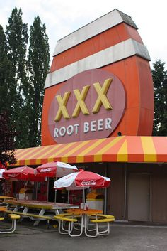 XXX Root Beer .....Issaquah, Washington... one of the last left...  crazy 50s decor inside