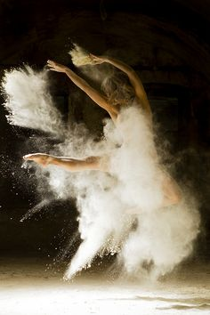 * Poussière d'Etoiles, des danseuses posent pour le photographe Ludovic Florent