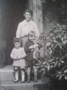 Edith Tolkien, with daughter Priscilla and son Christopher Tolkien Quotes, Tolkien Books, Jrr Tolkien, Edith Tolkien, Luthien, People Of Interest, Middle Earth, Lord Of The Rings, Book Nerd