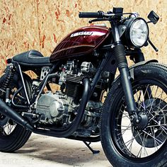 Who knew a KZ could looks so good. Gives me all sorts of ideas. Wrenchmonkees Kawasaki Z750