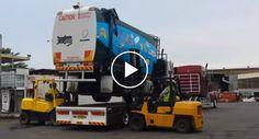 Como Se Descarrega Um Camião Do Lixo Sem Usar Rampas!!!