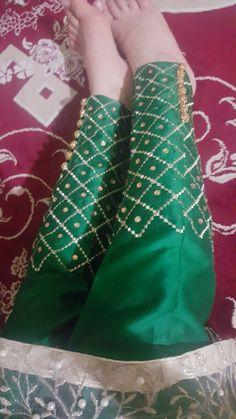 New secret pant Cute Girl Poses, Cute Girl Photo, Cute Girls, Girl Hand Pic, Girls Hand, Simple Pakistani Dresses, Pakistani Girl, Hijabi Girl, Girl Hijab