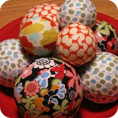 Such a cute and easy idea for decorative fabric balls