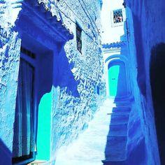 Blue pearl Morocco.. . . . #chefchaouen #nordafrica #nordmorocco #traveltomorocco #traveltomarrakech #maroc #tangier #visitChefchaouen #trip #morocco2021 #morokko #marruecos Solo Travel, Us Travel, Morocco Chefchaouen, Visit Marrakech, Desert Area, Desert Tour, Small Group Tours, Morocco Travel, Blue City