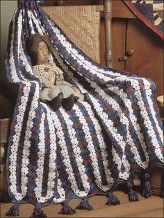 """Snowflakes on Plaid, free pattern - Another mile-a-minute throw done in joined panels. The """"plaid"""" is really just the way the darker variegated yarn looks.  This one isn't as holey as most.  . . . .   ღTrish W ~ http://www.pinterest.com/trishw/  . . . .    #crochet #afghan #blanket"""