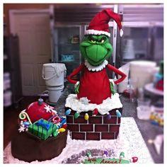 The Grinch Christmas Cake Christmas Themed Cake, Grinch Christmas Party, Grinch Party, Christmas Cake Pops, Christmas Gingerbread House, Christmas Goodies, Christmas Baking, Le Grinch, Grinch Cake