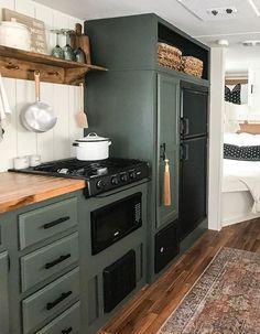 Tiny House Living, Rv Living, Küchen Design, Layout Design, Travel Trailer Remodel, Camper Interior, Trailer Interior, Camper Makeover, Camper Trailers