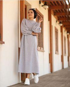 Iranian Women Fashion, Muslim Fashion, Modest Fashion, Fashion Outfits, Casual Hijab Outfit, Hijab Chic, Hijab Dress, Hijab Stile, Hijab Fashionista