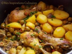 Algerian Olive and Chicken Halal Recipes, Cooking Recipes, Healthy Recipes, Plats Ramadan, Algerian Recipes, Chicken With Olives, Savoury Dishes, Main Dishes, Chicken Recipes