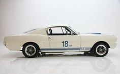 This 1967 Shelby Mustang Eleanor was built by Cinema Vehicles California. The Mustang Eleanor from Gone in 60 seconds is a fantastic vehicle ! Mustang Gt 350, New Ford Mustang, Gone In Sixty Seconds, Shelby Gt, Gt500, Car Photos, Mustangs, Jeeps, Jeep