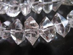 10 % Rabatt... 3 5 10 Pcs, Herkimer Diamanten, Nuggets, wählen Sie Größe 8-10 oder 10-12 mm, doppelte beendet Briolettes, Luxe AAA M L Crc wf von FabulousRocks auf Etsy Studio