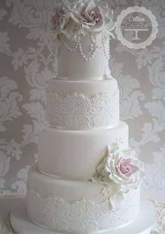 Loving the lace feature on this beautifully elegant creations - thank you Cotton & Crumbs x