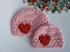 A lot of love - Preemie Hat ~ free pattern