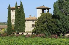 Le Château de Berne est niché au coeur de la Provence.