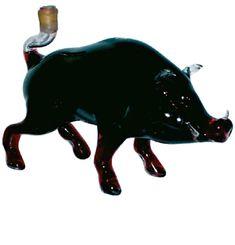 VADDISZNÓ  Vadásznak, netán vadakat kedvelőnek keresel tökéletes ajándékot? Ez a vaddisznó formájú díszüveg kitűnő választás! A bor elfogyasztása után is nagyszerű emlék, mely nem csak az otthon, hanem akár az iroda éke is lehet. A vaddisznó formájú díszüveg Cabernet Sauvignonnal töltött.  űrtartalma: 0,75 L.  mérete: 25x19 cm  #vadászajándék, #bor, #ajándék, #ajándékbor, #CabernetSauvignon, #szárazvörösbor, #Mátraibor, #születésnap, #évforduló, #díszüvegesbor, Cabernet Sauvignon, Panther, Bor, Moose Art, Animals, Animales, Animaux, Panthers, Animal