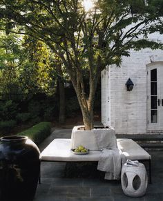 10 Stunning Outdoor Areas For Al Fresco Living Outdoor Opulence both Well-Lived & Well Designed by Darryl Carter Outdoor Areas, Outdoor Seating, Outdoor Rooms, Outdoor Living, Outdoor Decor, Garden Seating, Outdoor Material, Outdoor Kitchens, Tree Seat