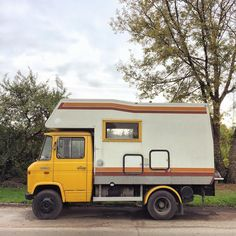 Mercedes 508, Mercedes Camper, Mercedes Benz Unimog, Custom Camper Vans, Custom Campers, T1 Bus, Vw T1, Camper Caravan, Camper Trailers