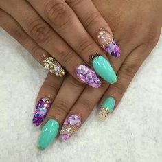 Auqa and purple floral rhinestone nailart #nailart @Jenniferw