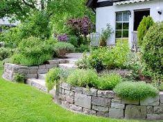 Bildergebnis für natursteinmauer terrasse stufen